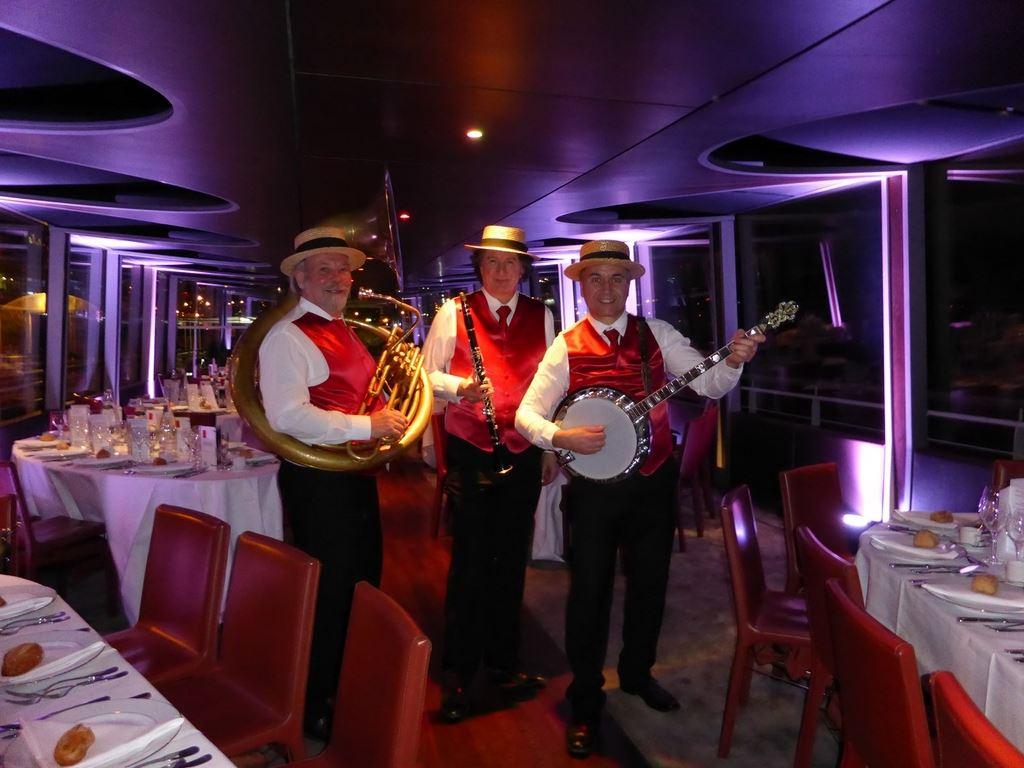 Orchestre DIXIELAND PARADE trio sur la Seine
