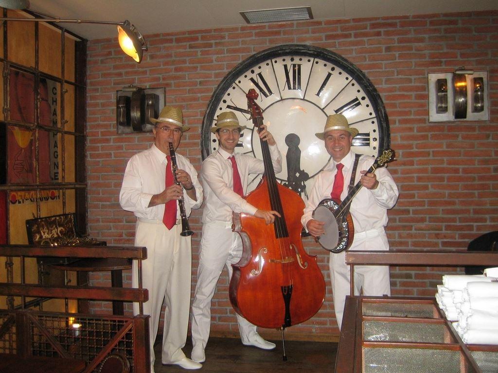 Orchestre DIXIELAND PARADE trio animation de restaurant