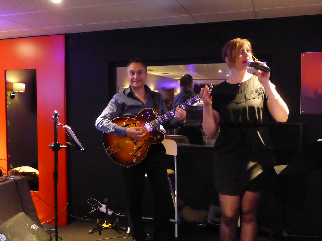 Le groupe jazzy night en duo en concert
