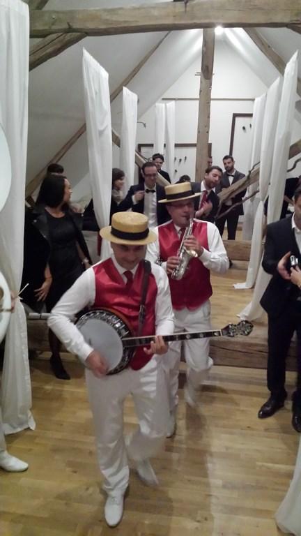 Orchestre jazz mariage la pepiniere, en sortant du dortoir