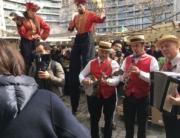 L'orchestre JAZZ de PARIS accompagne les Echassiers pour l'inauguration de la nouvelle Halle BEAUVAU à Paris 75012