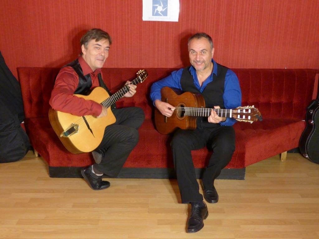 Groupe de jazz manouche : duo de guitares